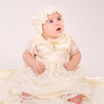 Набор крестильный для девочки с гипюром молочный